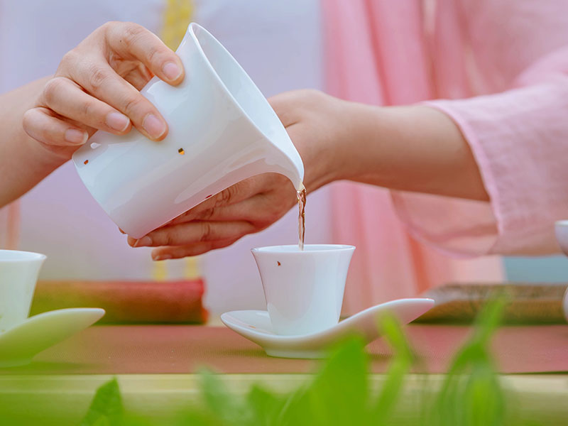 听茶,是一种陶冶情操的享受!